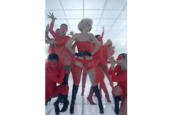Lady Gaga & dancers in bad romance video